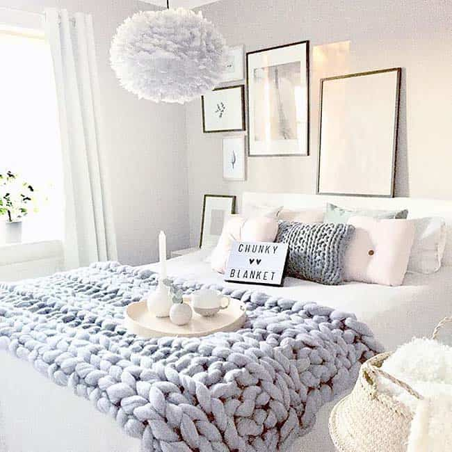 Cozy Bedroom Decorating Ideas For Winter-18-1 Kindesign