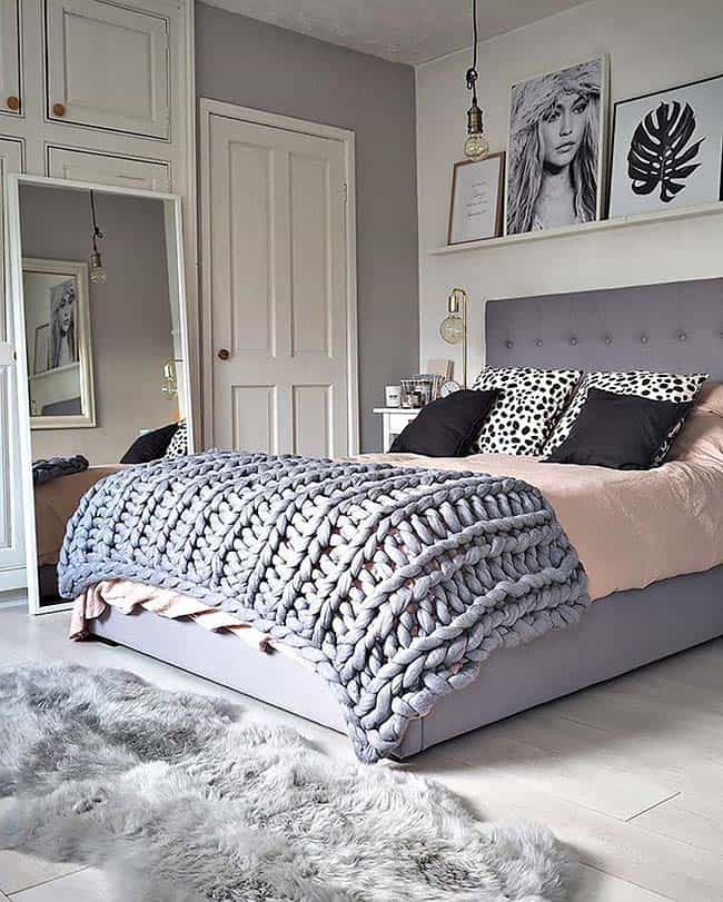 Cozy Bedroom Decorating Ideas For Winter-19-1 Kindesign