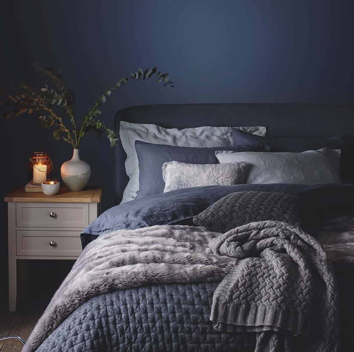 33 ultra cozy bedroom decorating ideas for winter warmth Blue and brown bedroom ideas for decorating