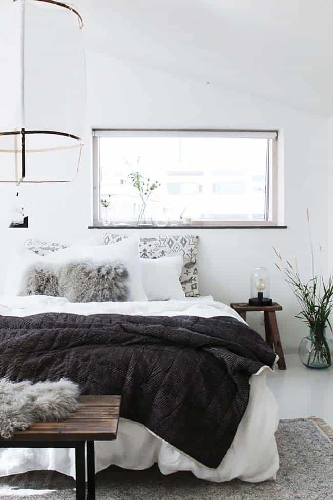 Cozy Bedroom Decorating Ideas For Winter-33-1 Kindesign