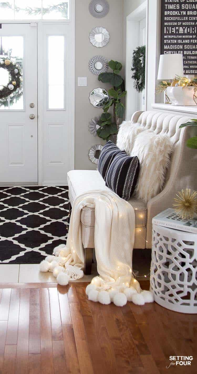 christmas-decorating-ideas-entryway-bench