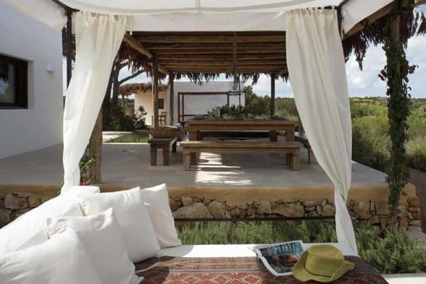 featured posts image for Luxury villa provides a stunning oasis on the island of Formentera