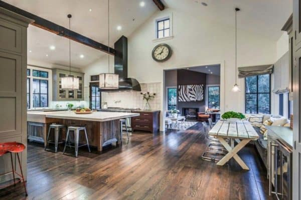 featured posts image for Delightful modern barn style house nestled in Sonoma wine country