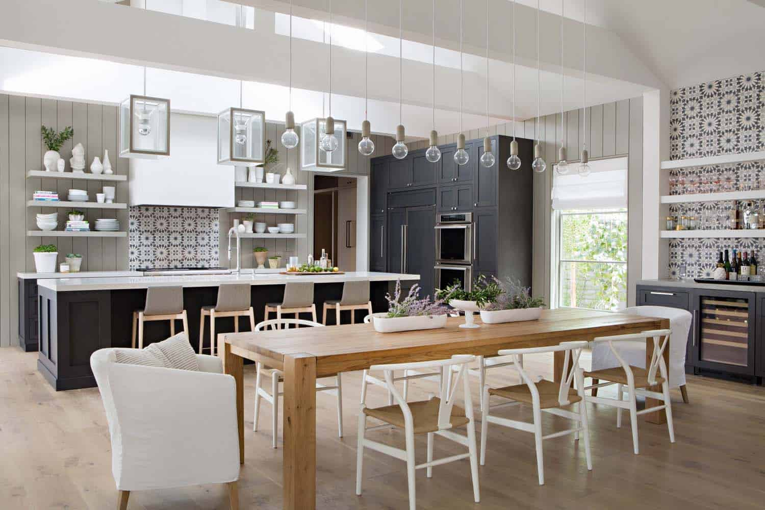 Chic modern farmhouse in newport beach with emphasis on for Modern farmhouse style