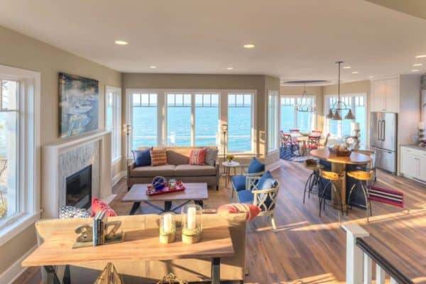 featured posts image for Refined beachfront retreat offers captivating views of Lake Michigan