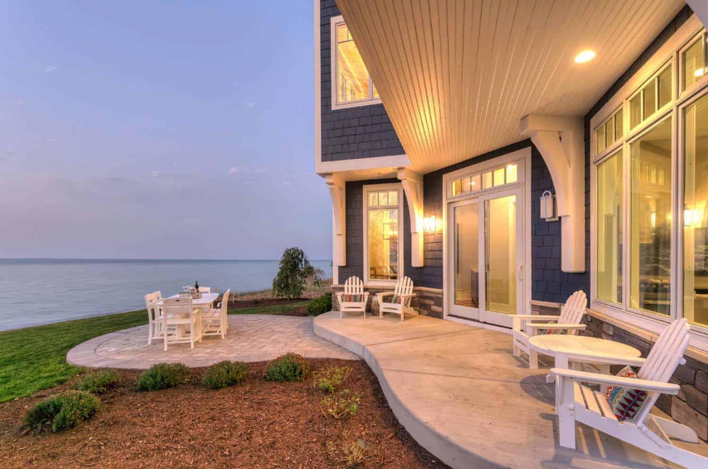 Refined Beachfront Retreat-Mike Schaap Builders-22-1 Kindesign