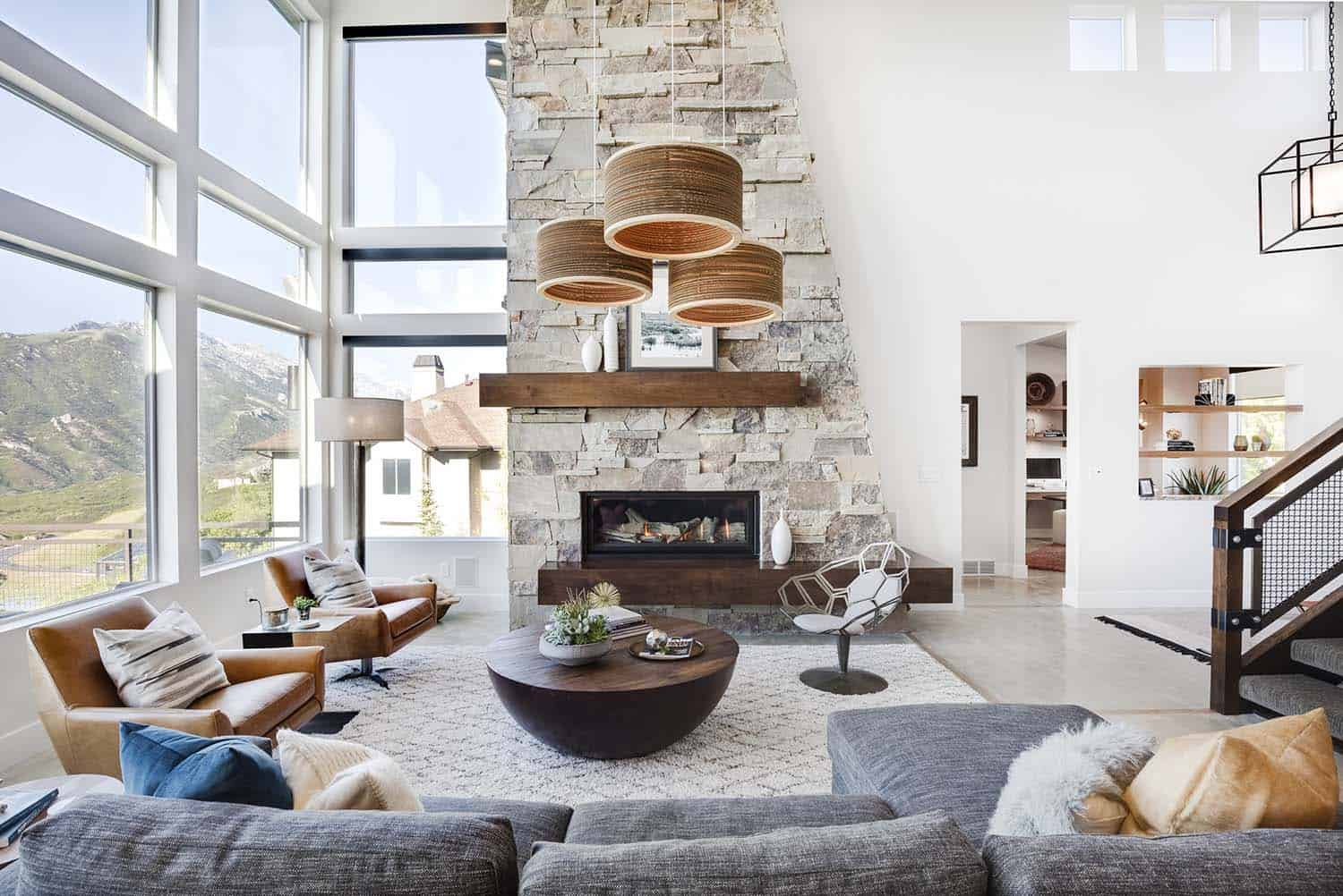 Luminous home in Utah blending rustic and modern details