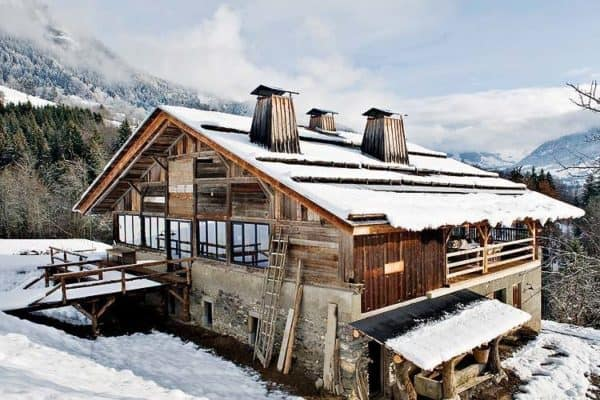 featured posts image for Alpine cabin offers dreamy winter escape in the French Alps