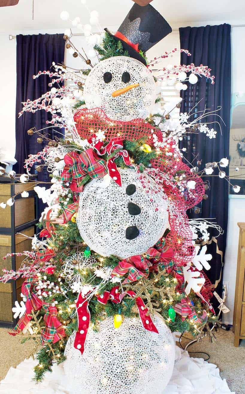 30 Most amazing Christmas decorated trees for some holiday ... - photo#35