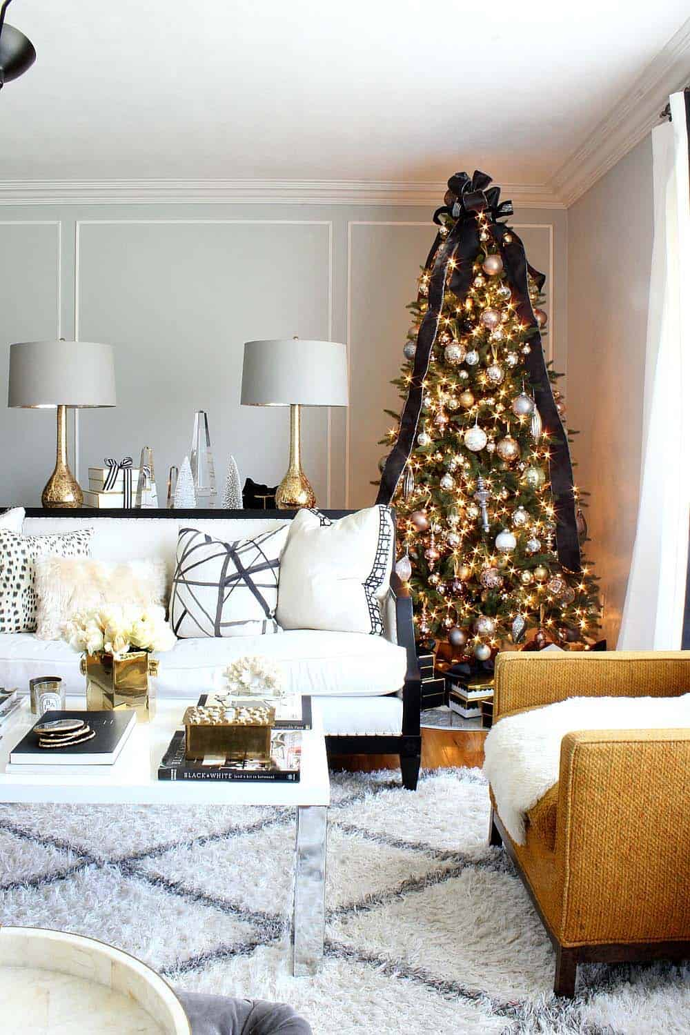 Amazing Christmas Decorated Trees-22-1 Kindesign