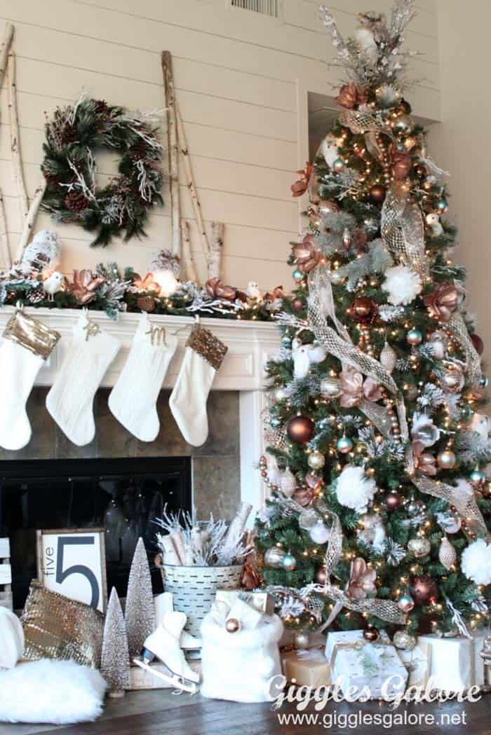 30 Most amazing Christmas decorated trees for some holiday ... - photo#21