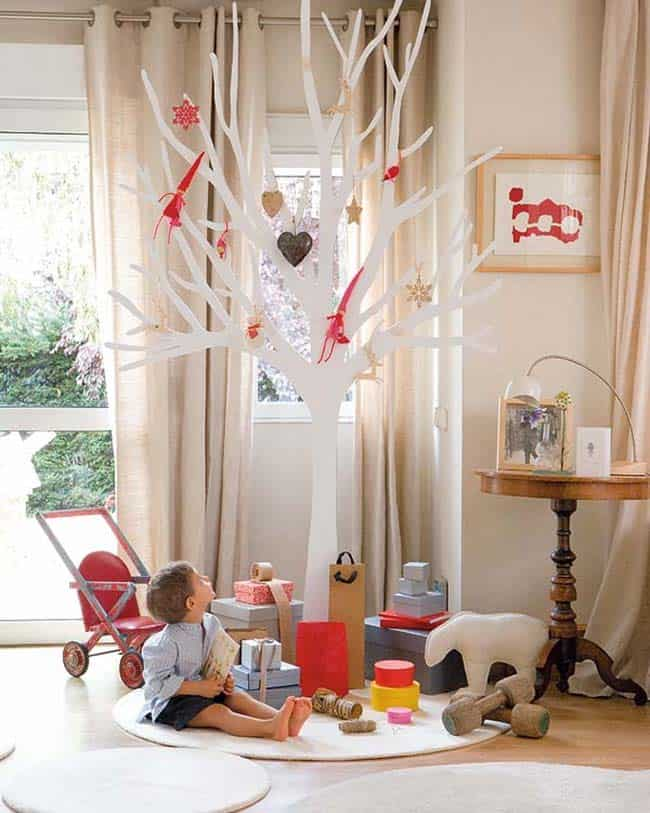 Beautifully Decorated Christmas Home-03-1 Kindesign