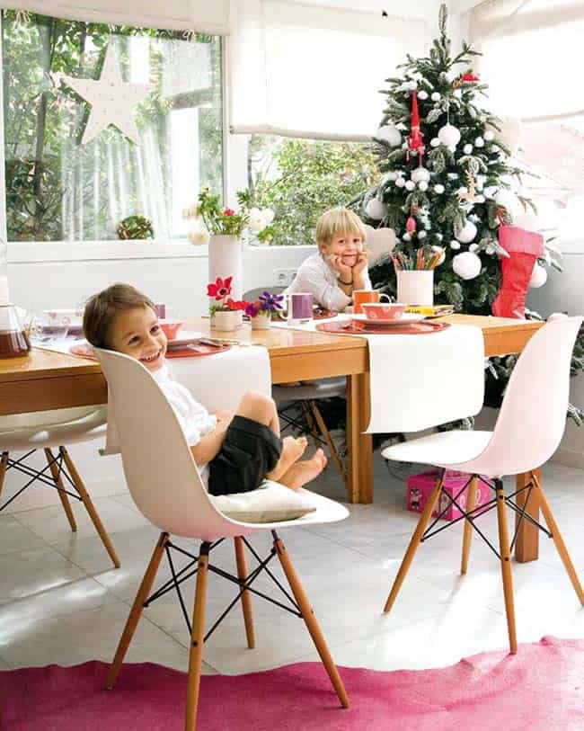 Beautifully Decorated Christmas Home-09-1 Kindesign