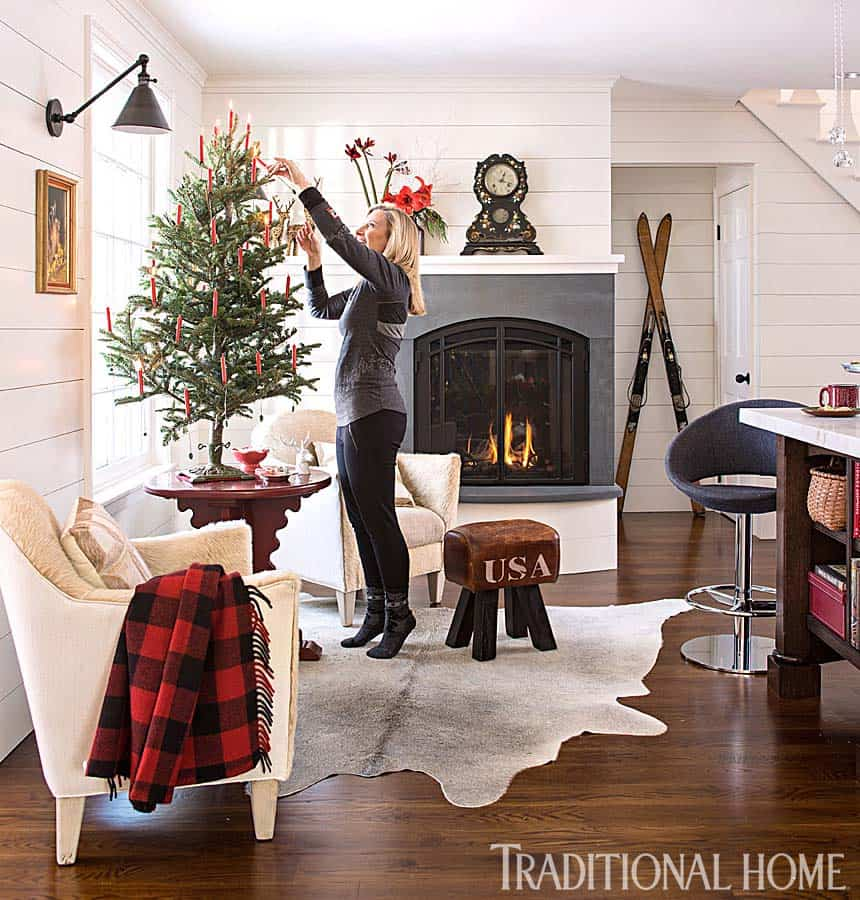 Christmas Decorated Stone Cottage-05-1 Kindesign