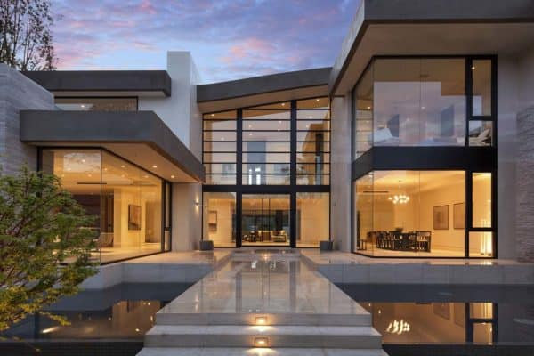 featured posts image for Striking transparency defining a contemporary family home in Brentwood