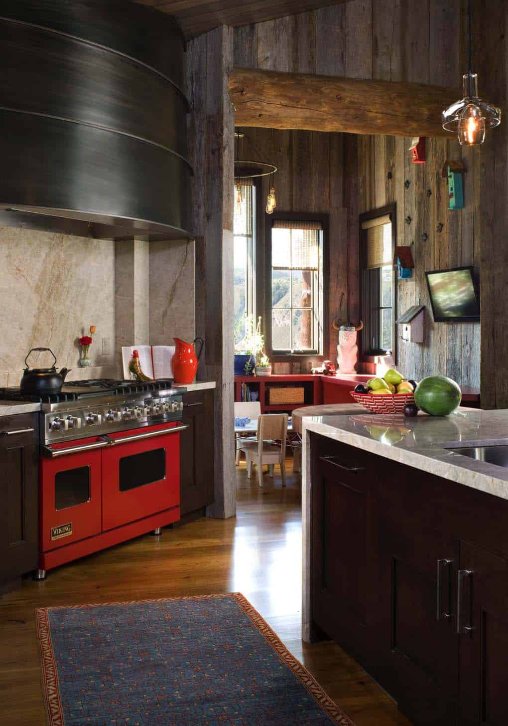 Family Friendly Rustic Mountain Retreat-04-1 Kindesign