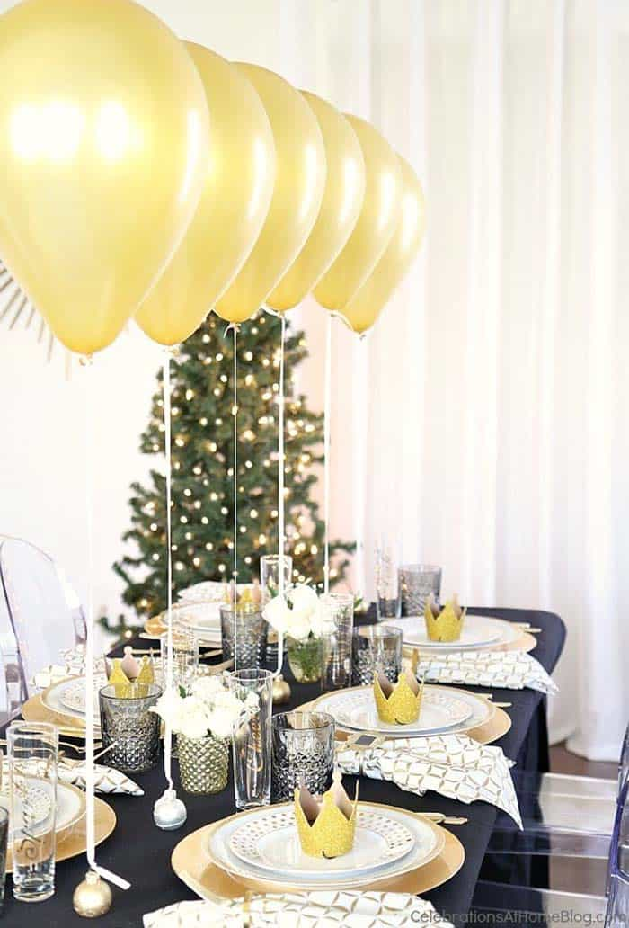 Glamorous Party Table Settings For New Years Eve-22-1 Kindesign