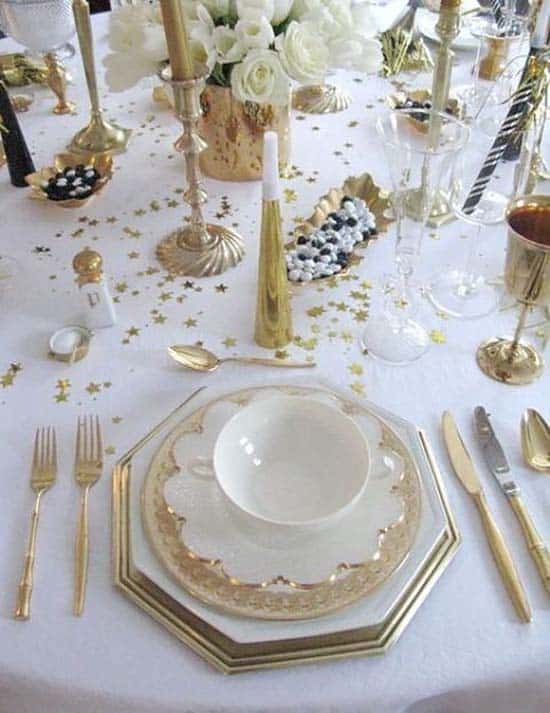 Glamorous Party Table Settings For New Years Eve-25-1 Kindesign