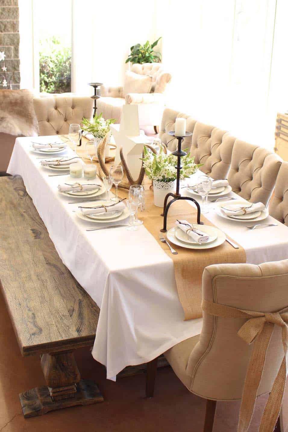 Inspiring Dining Table Christmas Decor Ideas-20-1 Kindesign