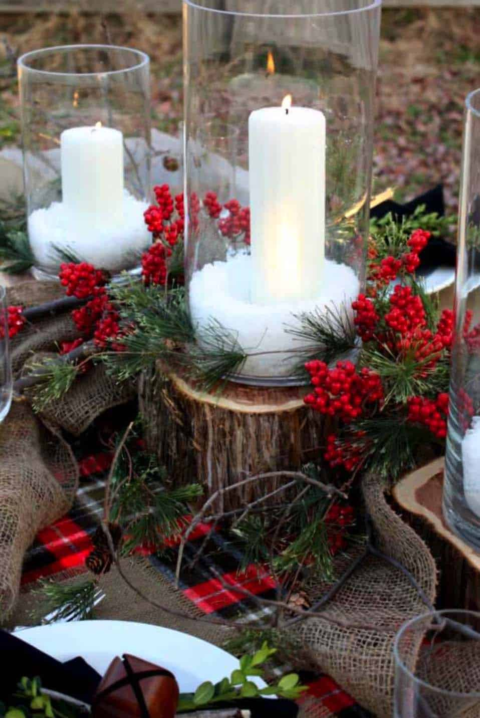 Inspiring Dining Table Christmas Decor Ideas-23-1 Kindesign