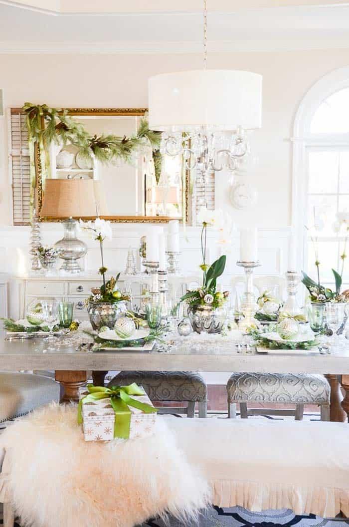 Inspiring Dining Table Christmas Decor Ideas-32-1 Kindesign
