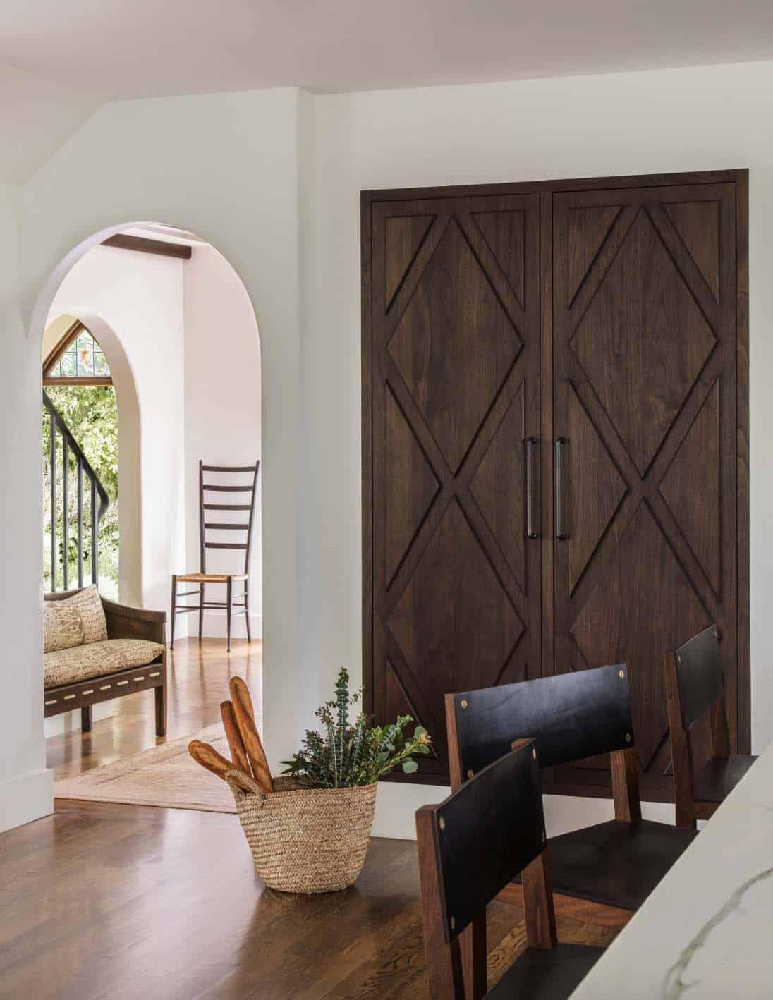 Mediterranean Style Home-Jute Interior Design-05-1 Kindesign
