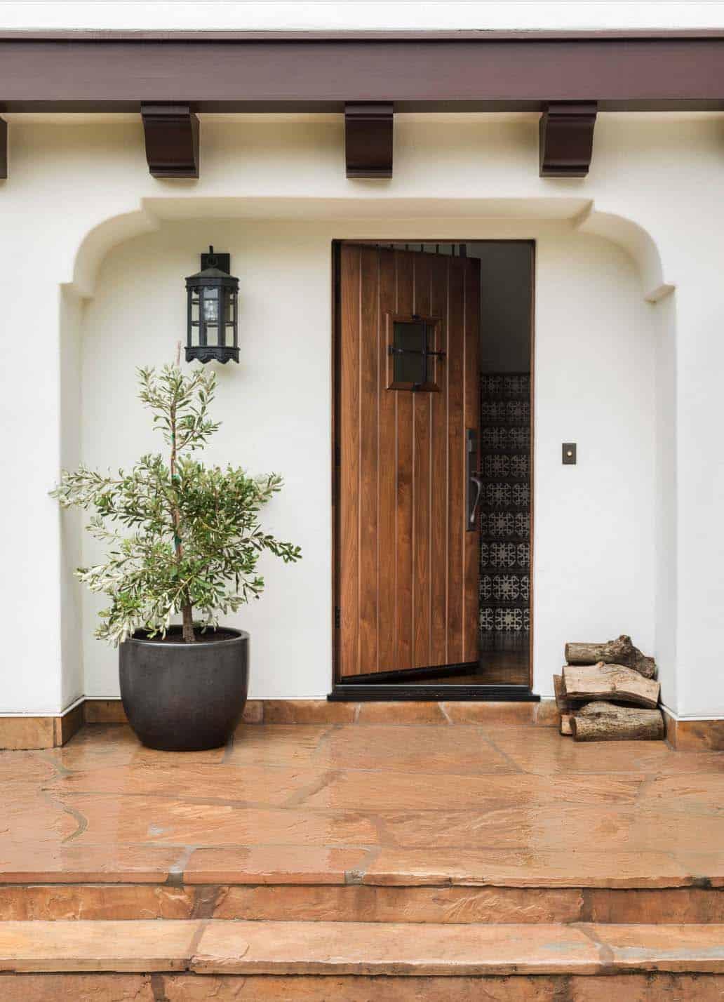 Mediterranean Style Home-Jute Interior Design-10-1 Kindesign