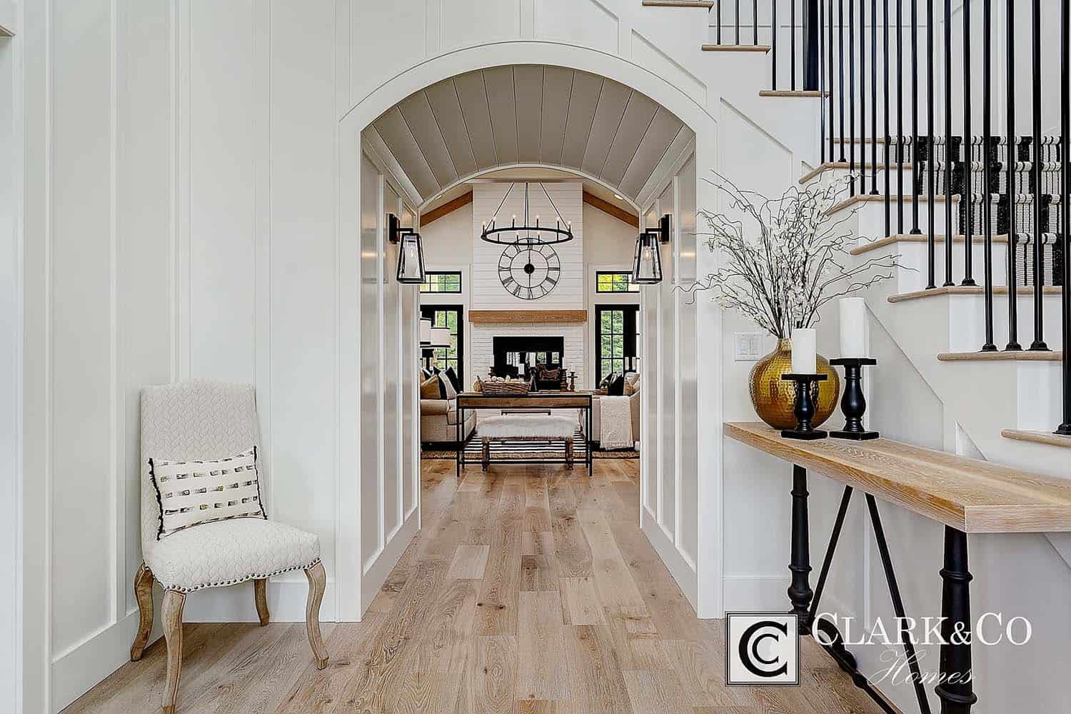 Modern Farmhouse Style-Clark and Co Homes-02-1 Kindesign
