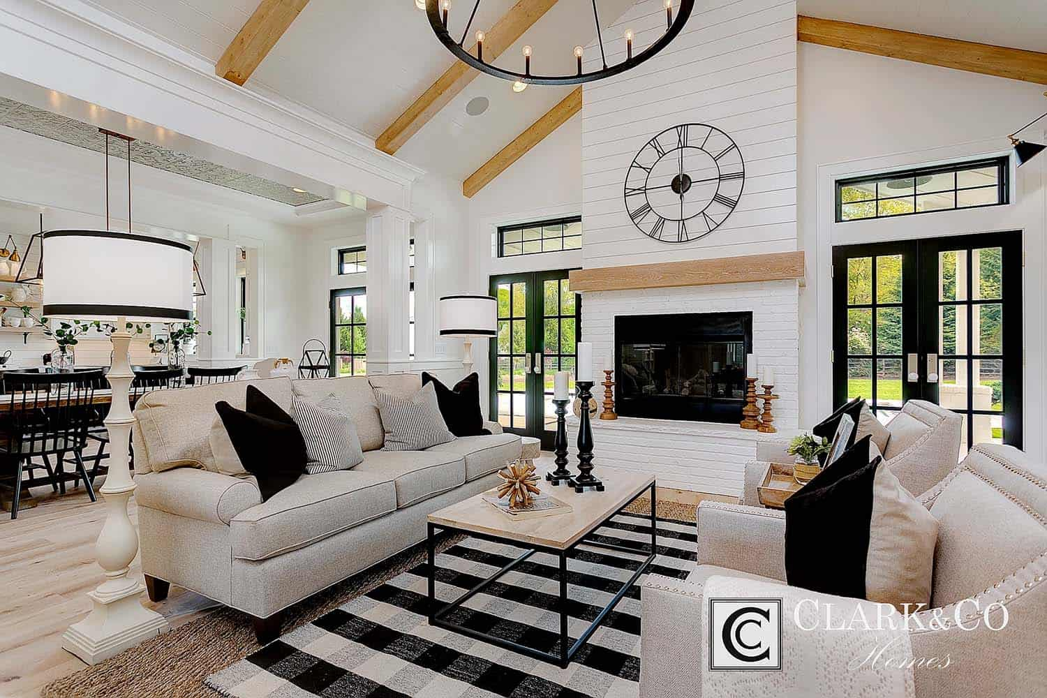 Modern Farmhouse Style-Clark and Co Homes-05-1 Kindesign