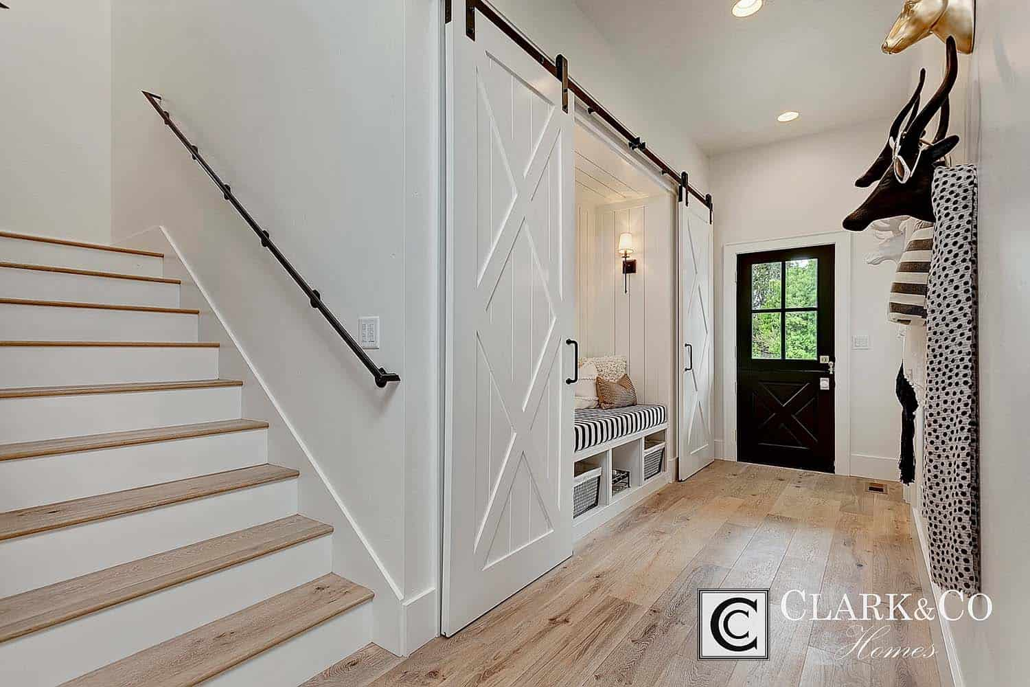 Modern Farmhouse Style-Clark and Co Homes-13-1 Kindesign