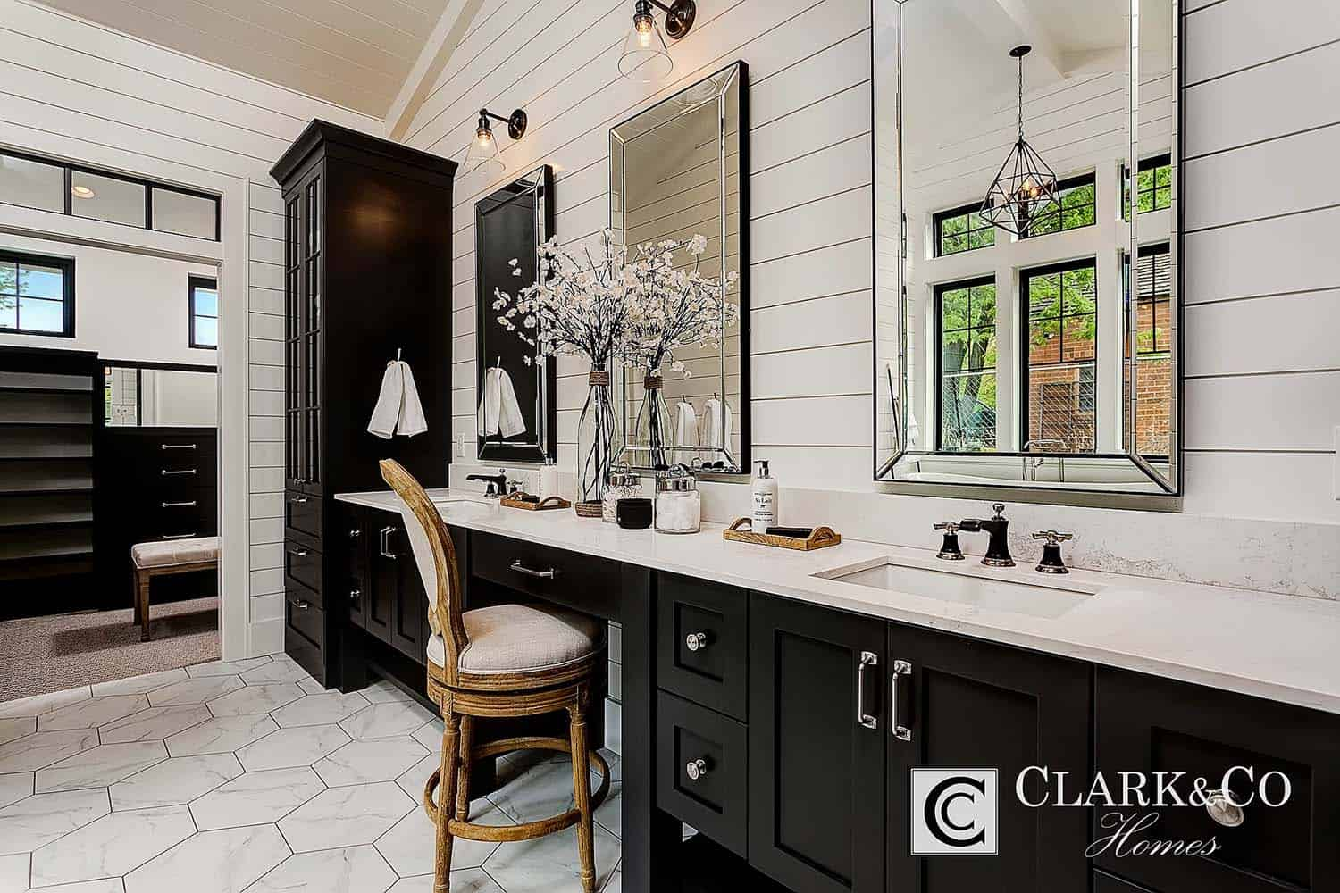 Modern Farmhouse Style-Clark and Co Homes-27-1 Kindesign