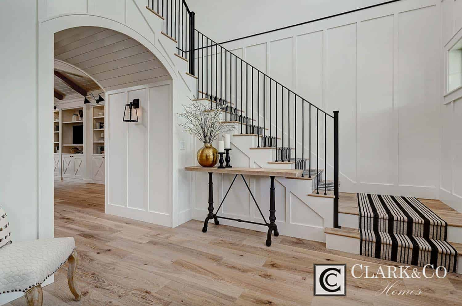 Modern Farmhouse Style-Clark and Co Homes-31-1 Kindesign