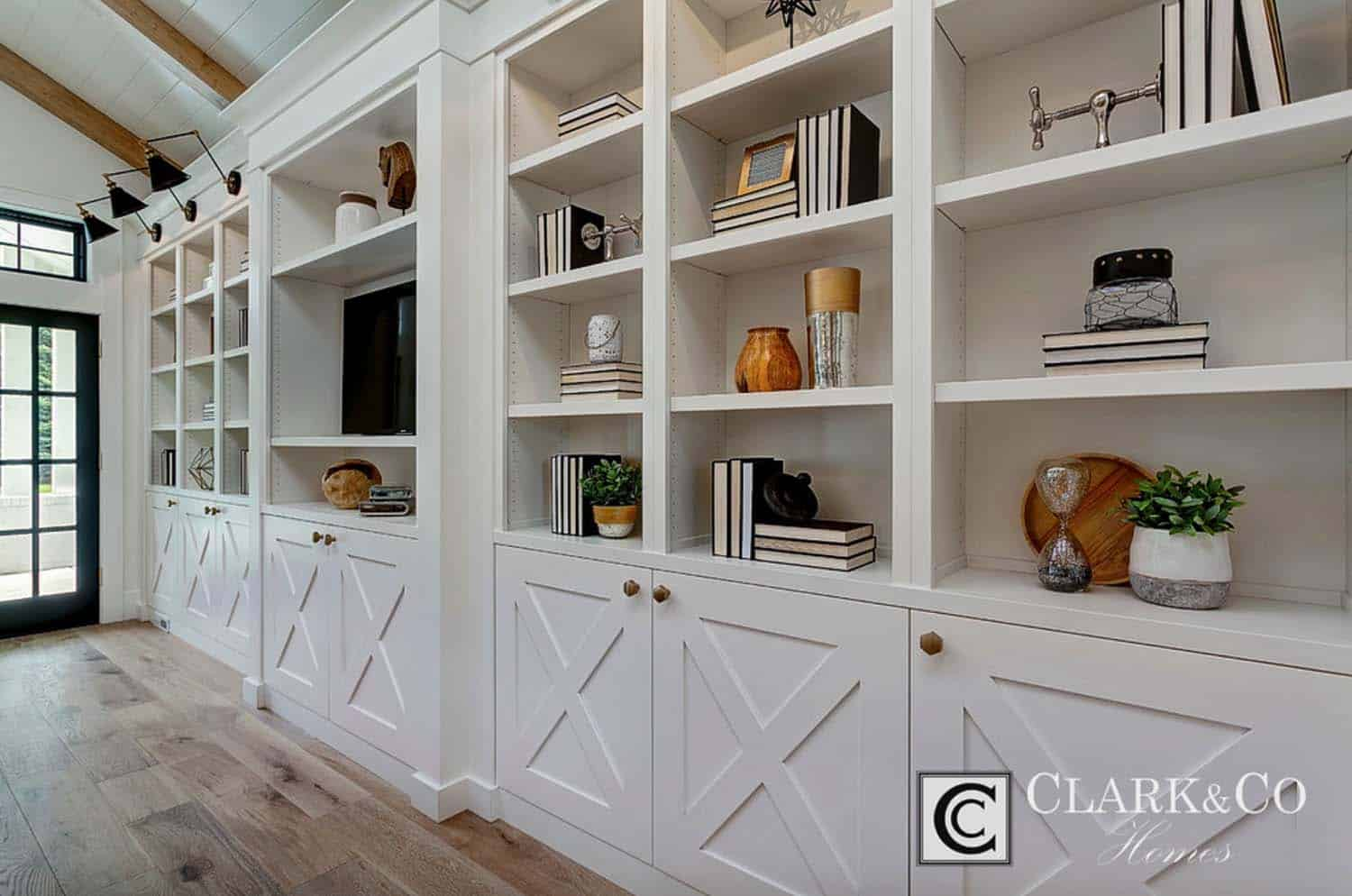 Modern Farmhouse Style-Clark and Co Homes-32-1 Kindesign