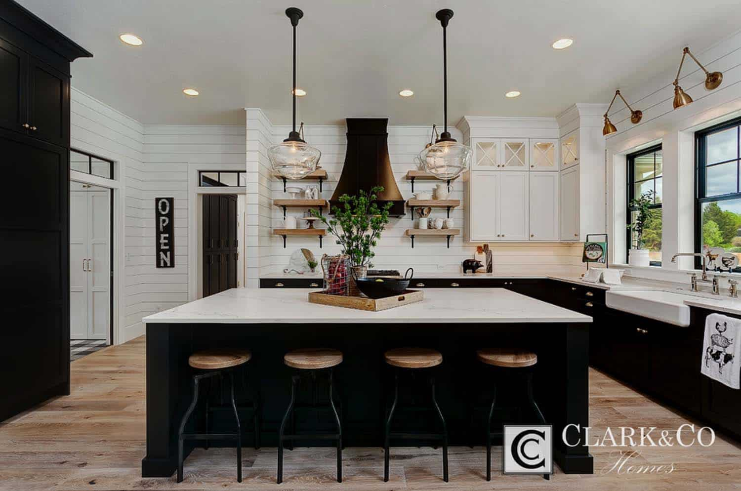 Modern Farmhouse Style-Clark and Co Homes-34-1 Kindesign