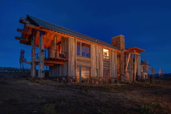 featured posts image for Modern rustic log home boasting views of Mount Timpanogos, Utah