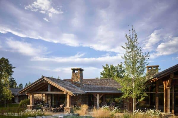 featured posts image for Breathtaking rustic ranch house tucked into the Beartooth Mountains