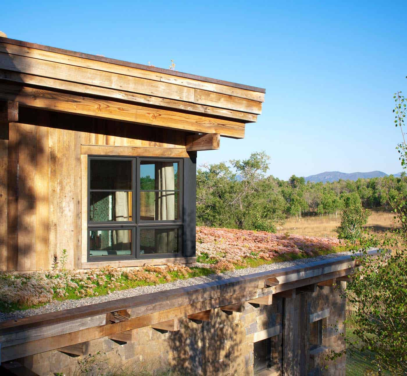 Eco Friendly Home House Design: Rustic Eco-friendly Home Perched On The Picturesque Elkins
