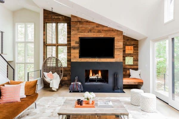 featured posts image for Stylish Massachusetts home uses a natural palette to focus on lake views