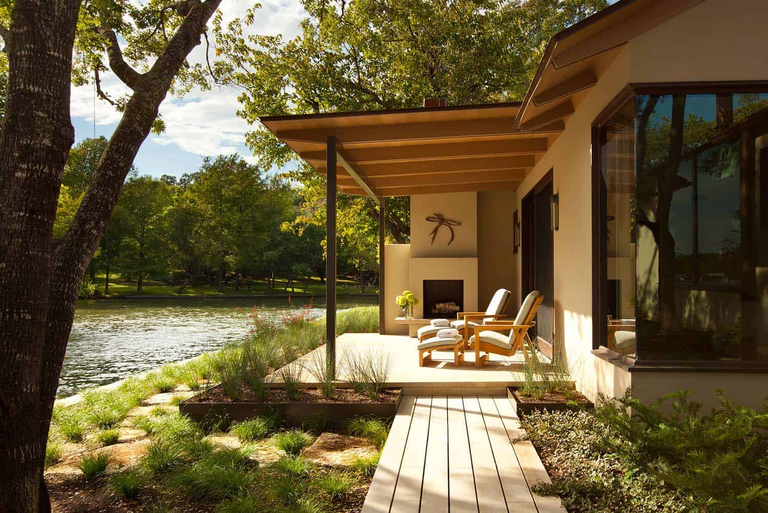 waterside retreats design