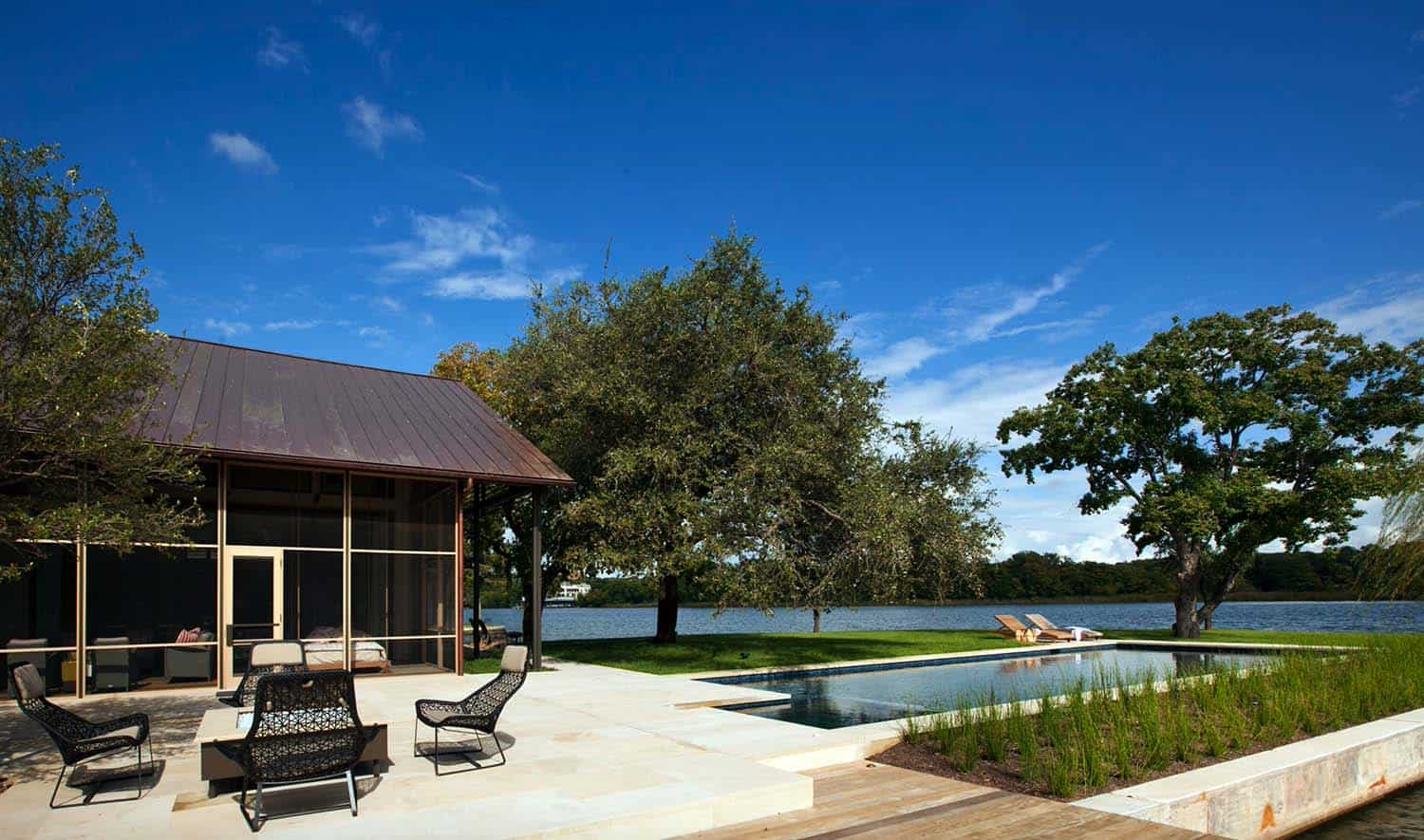 Contemporary Lake House Renovation-Furman Keil Architects-18-1 Kindesign