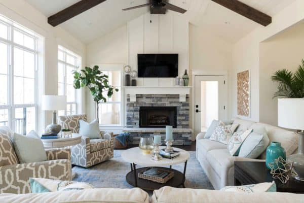 featured posts image for Warm and cozy lake house in Texas features a modern twist
