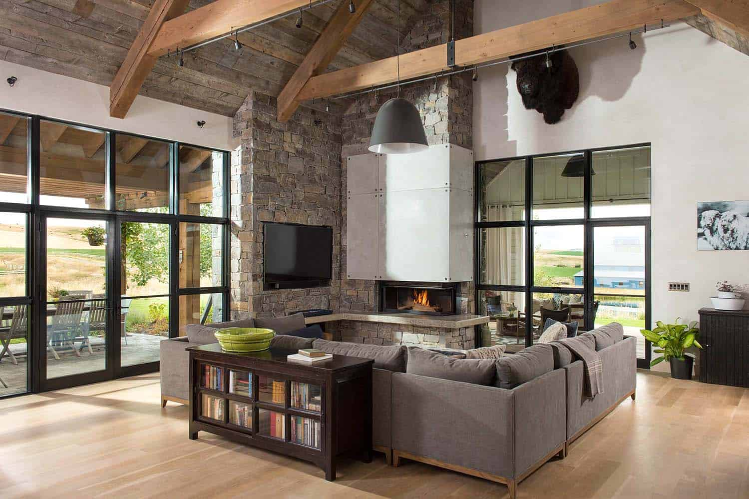 Farmhouse Style Residence-Locati Architects-04-1 Kindesign