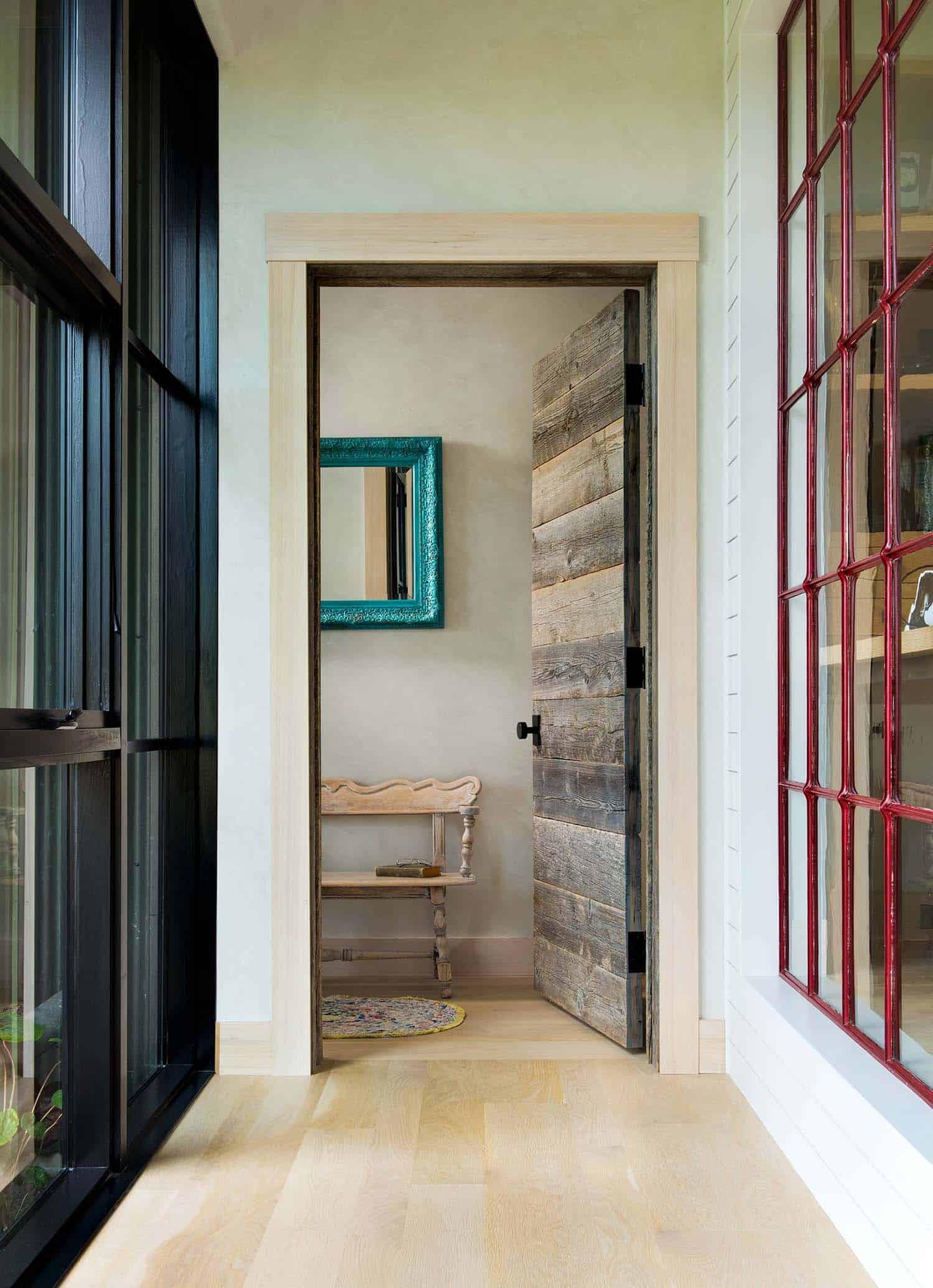 Farmhouse Style Residence-Locati Architects-15-1 Kindesign