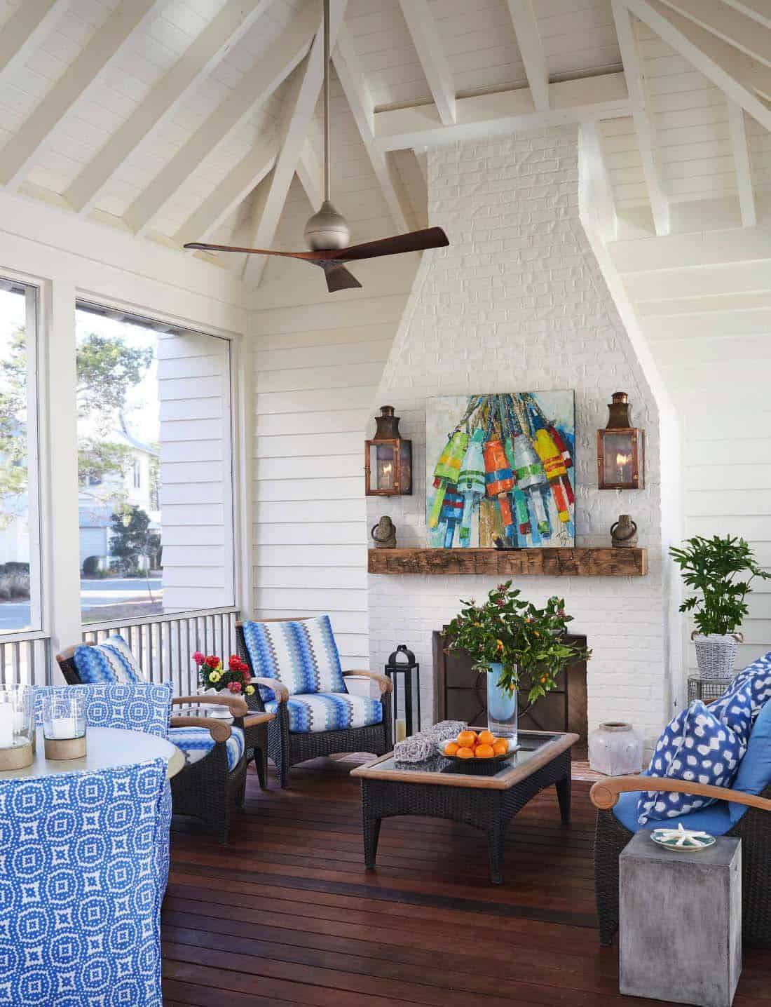Inviting Beach House-TS Adams Studio-14-1 Kindesign