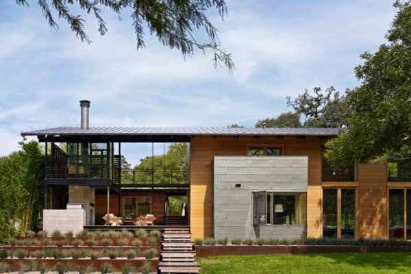featured posts image for Fabulous modern lakeside retreat set on the shores of Lake Austin, Texas