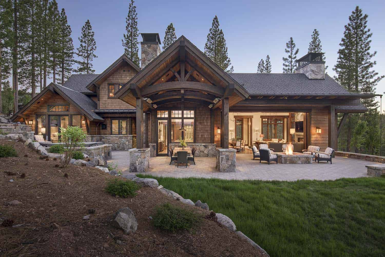 Rustic Mountain Retreat-Kelly Stone Architects-01-1 Kindesign