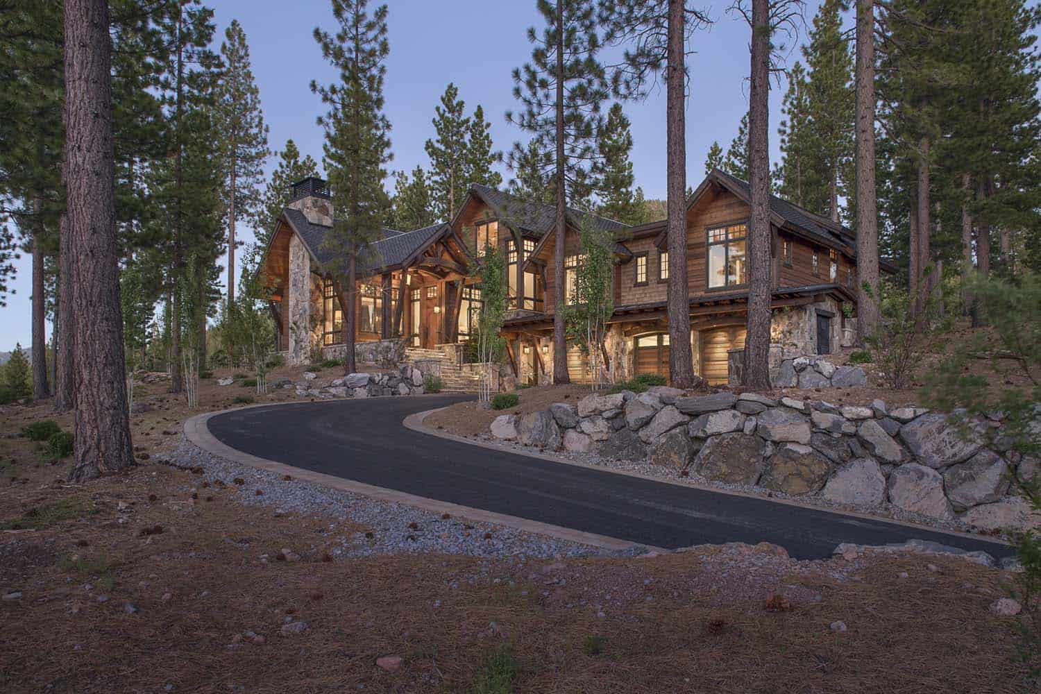 Rustic Mountain Retreat-Kelly Stone Architects-03-1 Kindesign