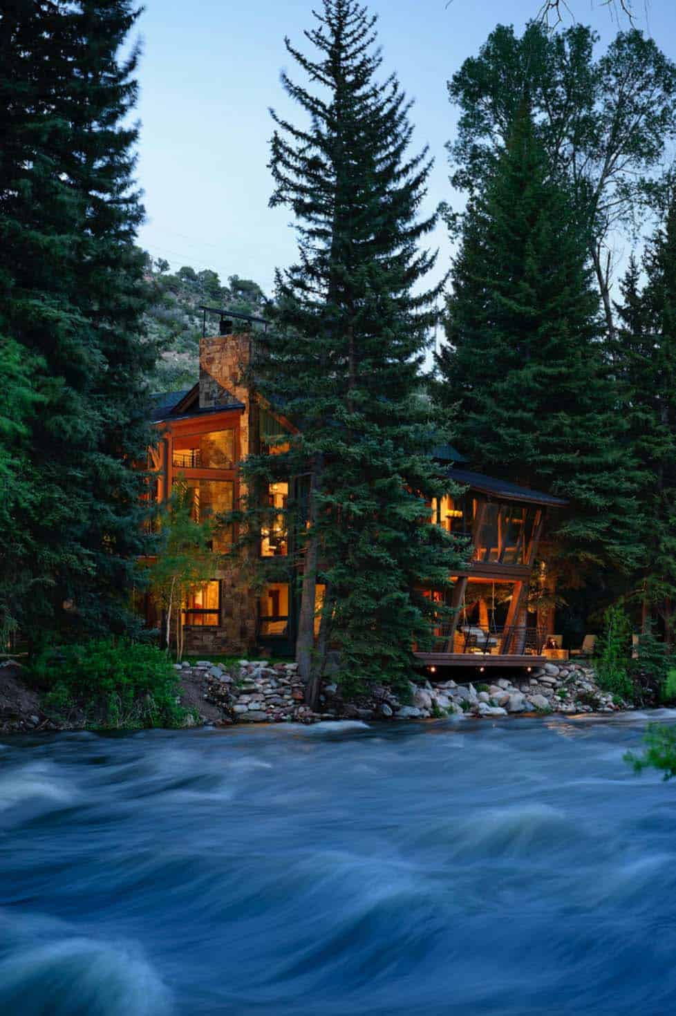 Rustic Riverfront Home-David Johnston Architects-02-1 Kindesign