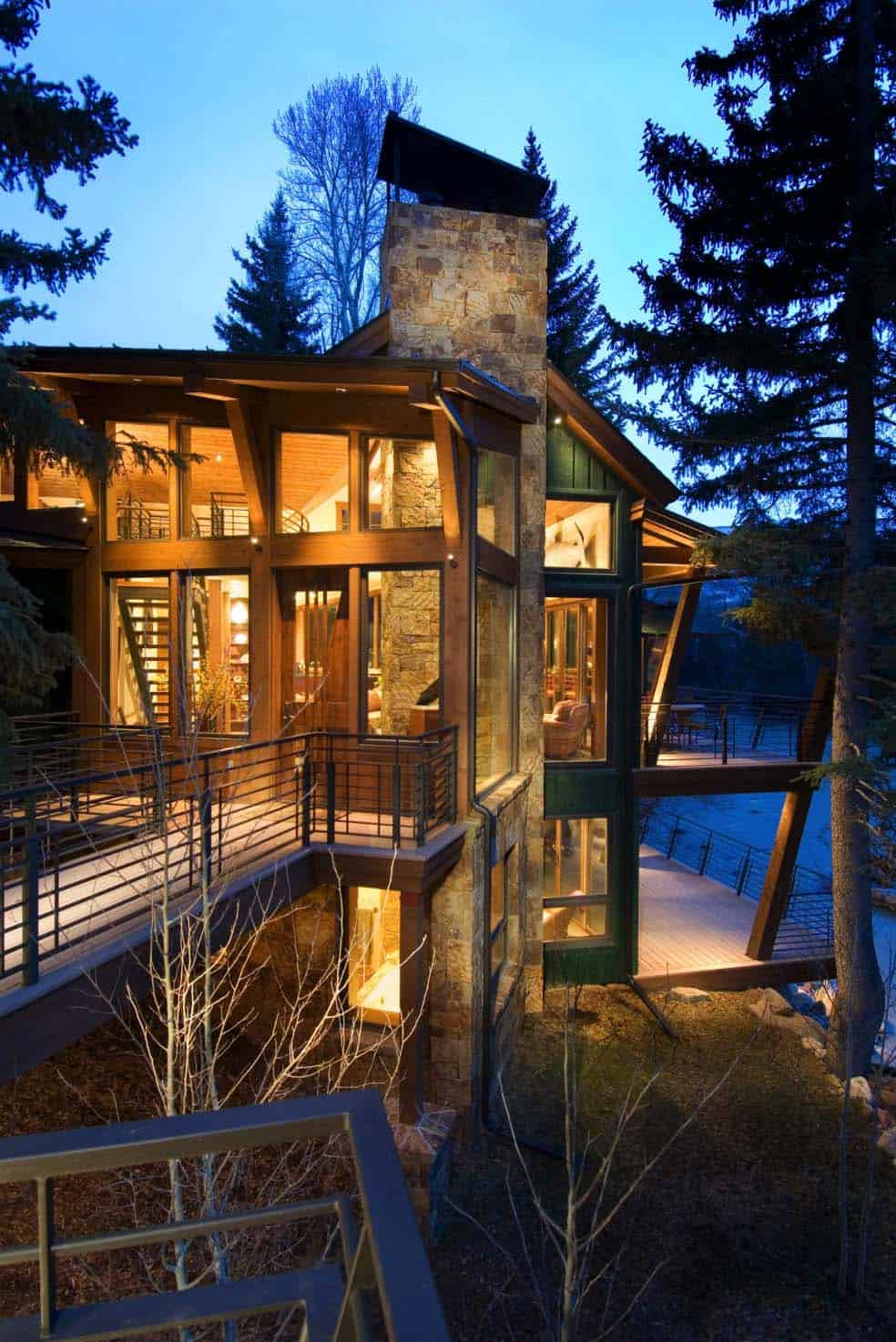 Rustic Riverfront Home-David Johnston Architects-03-1 Kindesign