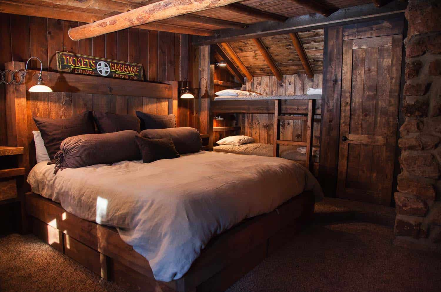 40 amazing rustic bedrooms styled to feel like a cozy getaway for Rustic home decor park rapids mn